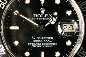 640px-Rolex_Submariner_300m_Chonometer